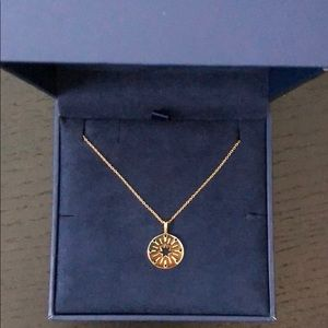 GOLD STAR STRUCK AMULET NECKLACE NWT